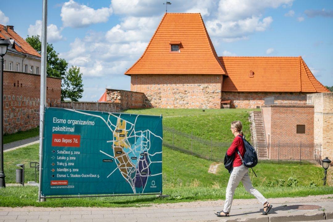 Nuo antradienio Vilniaus senamiestyje įsigalios kilpinis eismas: ką svarbu žinoti?
