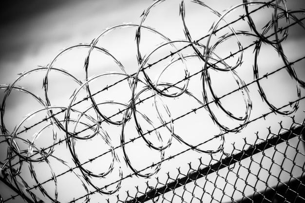 """Nyderlanduose policija aptiko nusikaltėlių įsirengtą slaptą kalėjimą su """"kankinimų kamera"""""""