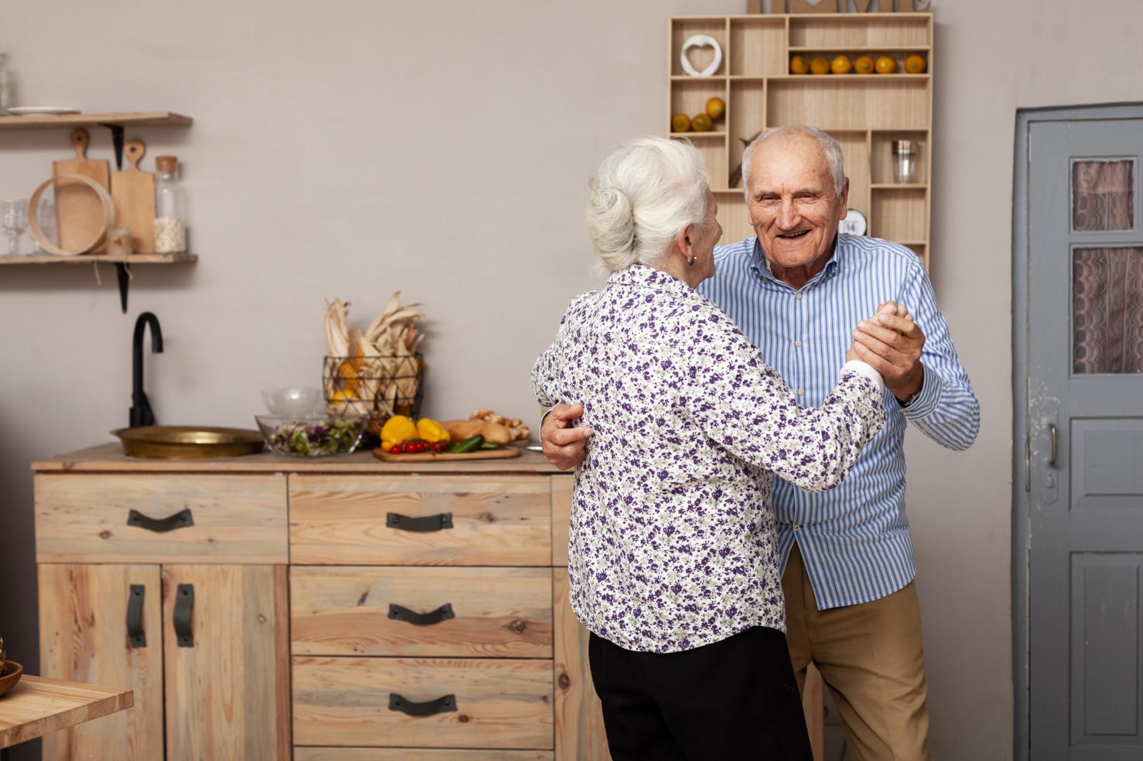 Specialistai pataria, kaip pasirinkti tinkamus senelių globos namus