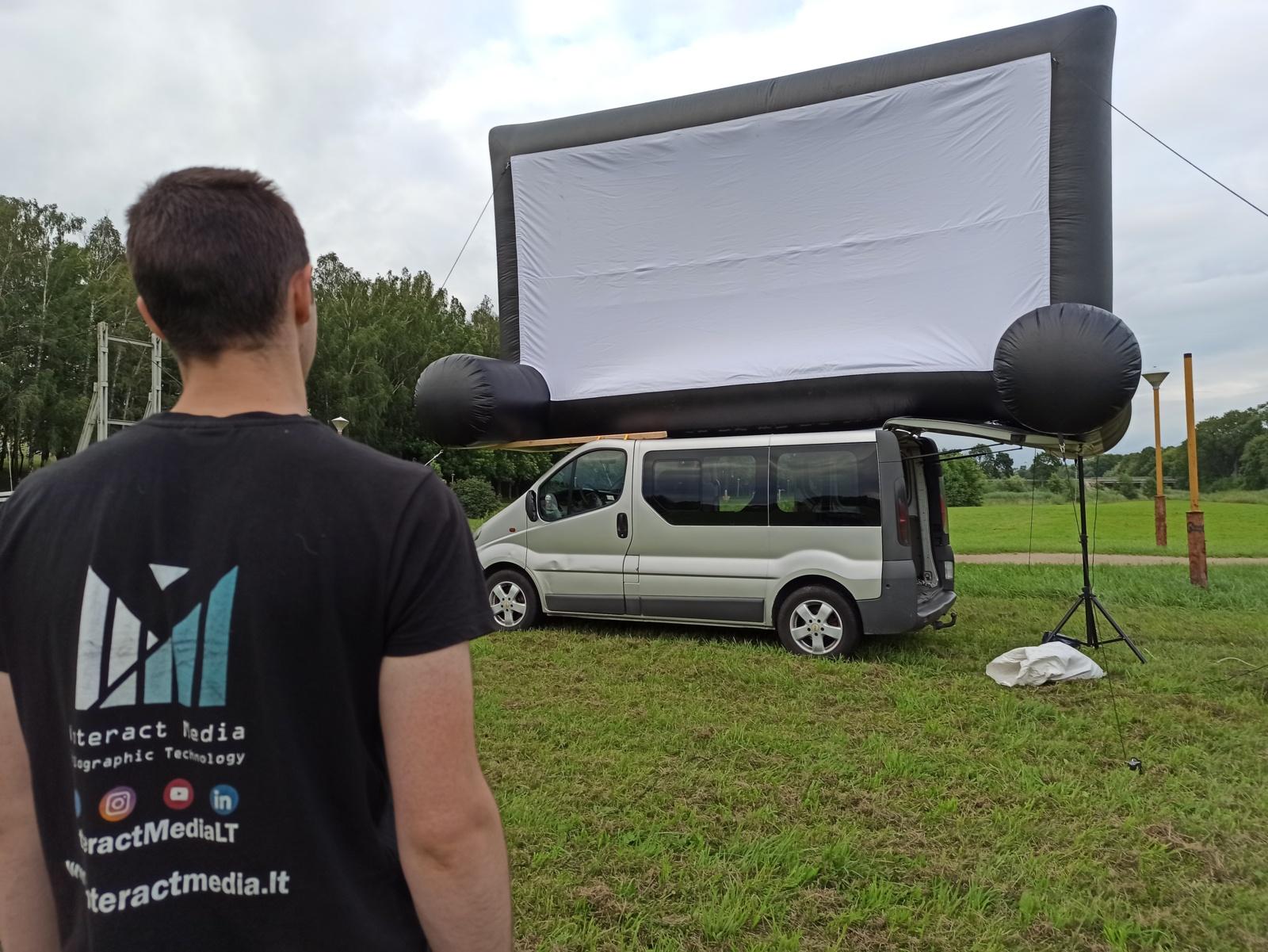 Pakruojiečius į parko salą sukvietė dokumentinis kinas po atvirumi dangumi