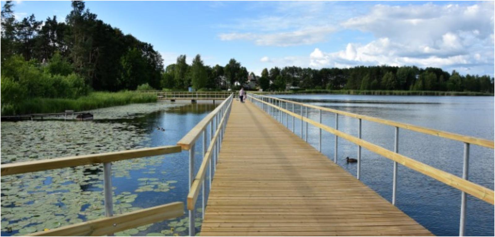 Vyžuonaičio ežere baigtas montuoti takas ant pontonų