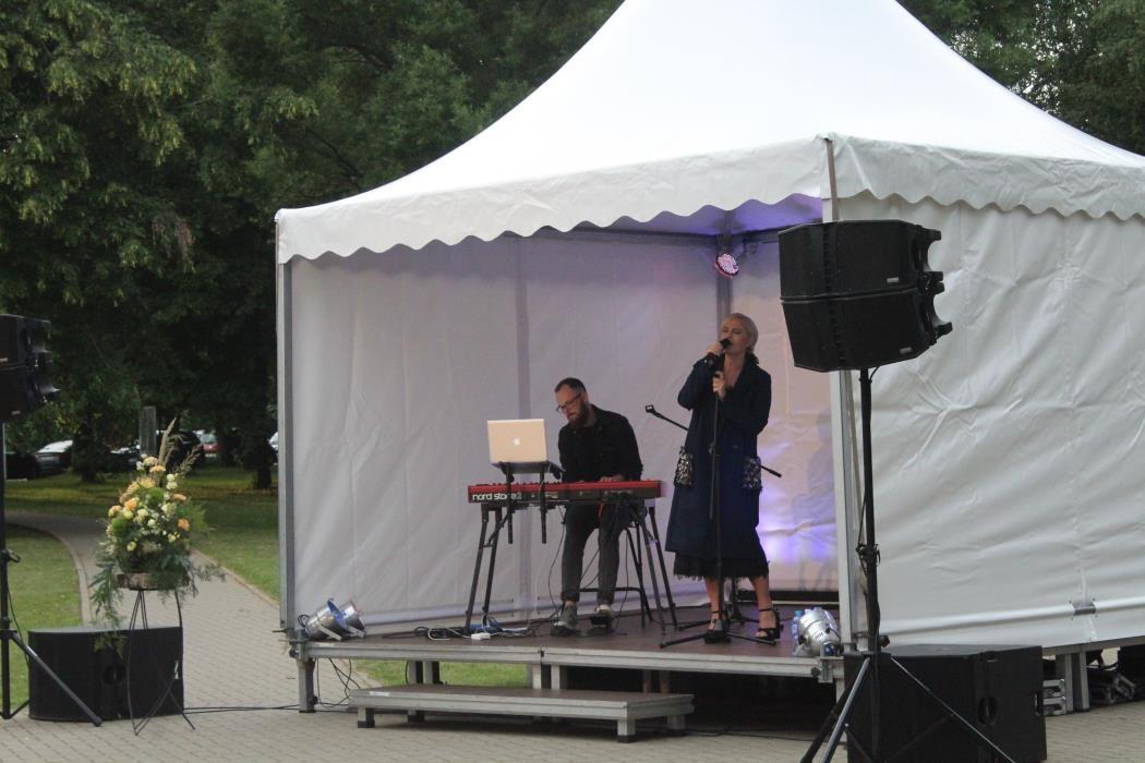 Kačerginėje skambėjo ypatingos Ingos Jankauskaitės atliekamos vasaros melodijos