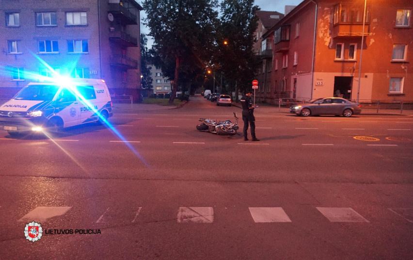 Klaipėdoje per avariją nukentėjo motociklininkas