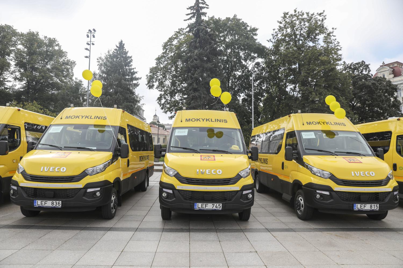 Mokyklos gaus dar 45 naujus autobusiukus