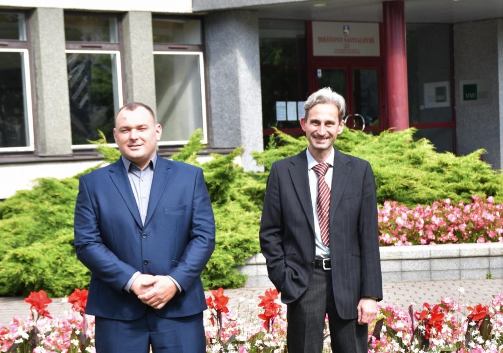 Birštono savivaldybės administracijos komandą papildė du nauji valstybės tarnautojai