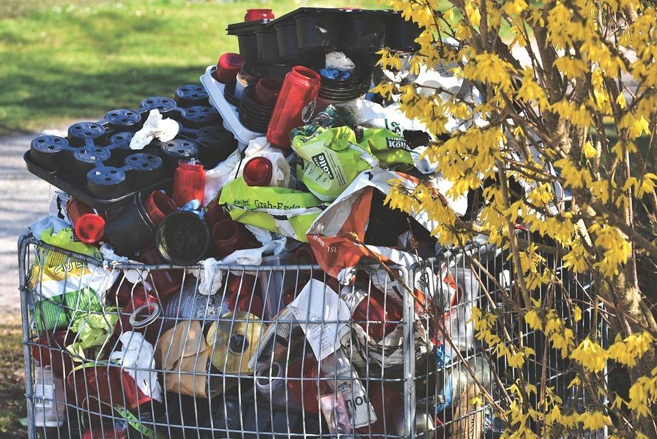 Pandemija gali sumažinti perdirbamų plastiko atliekų kiekį