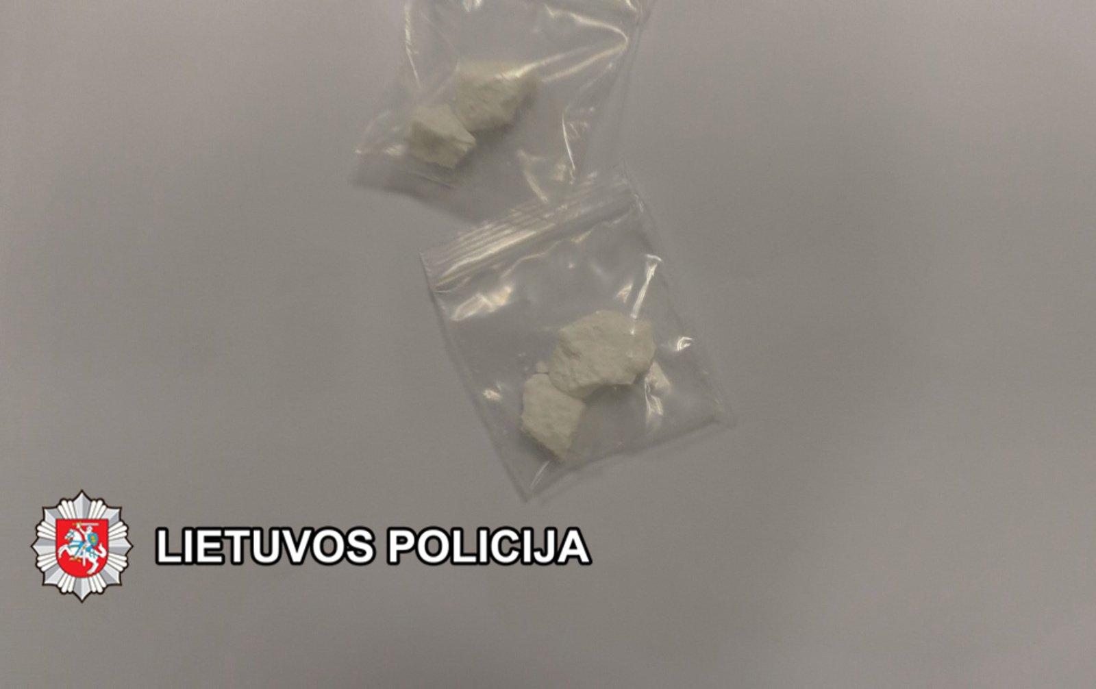 Skuodo gyventojo kišenėje rado narkotikų