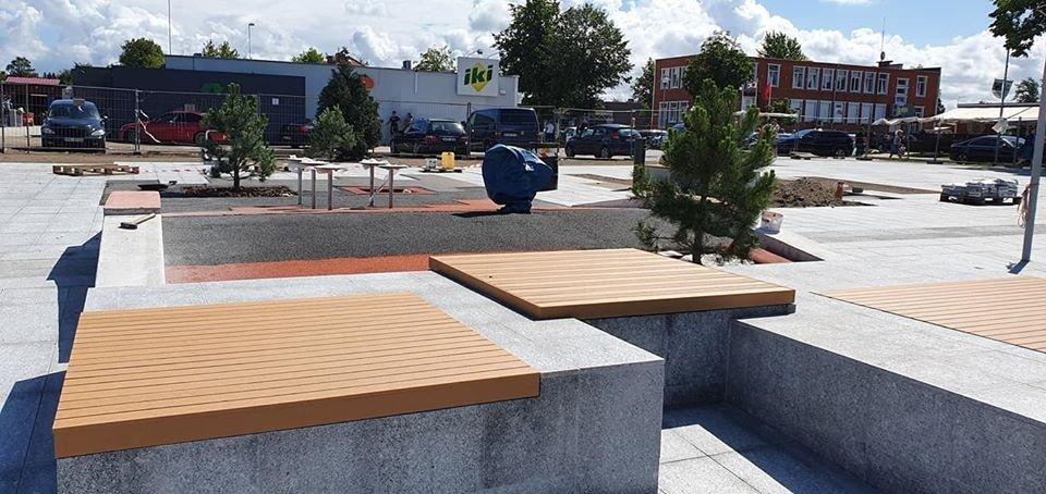 Šventoji atsinaujina: atidaroma rekonstruota aikštė