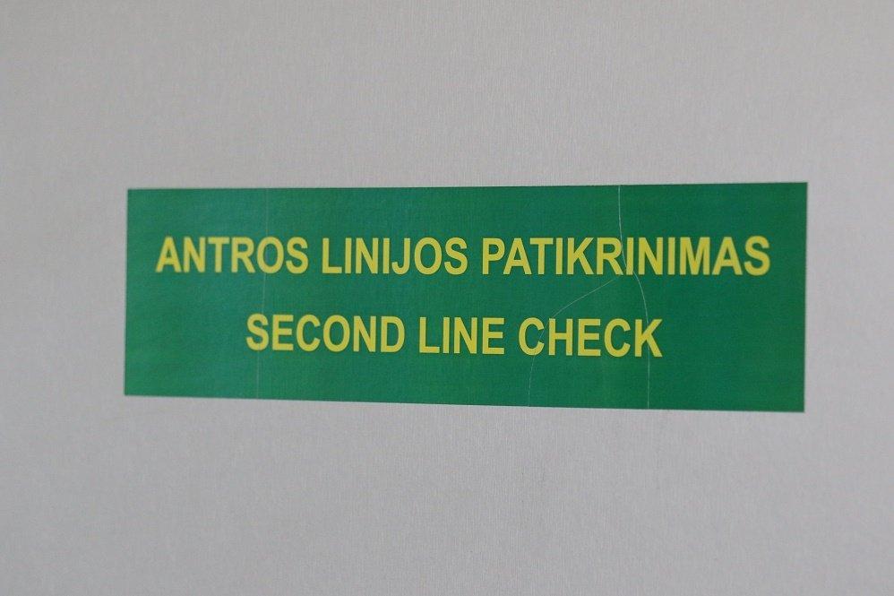 Pasą su klastotais spaudais pateikusi rusė neįleista į Lietuvą