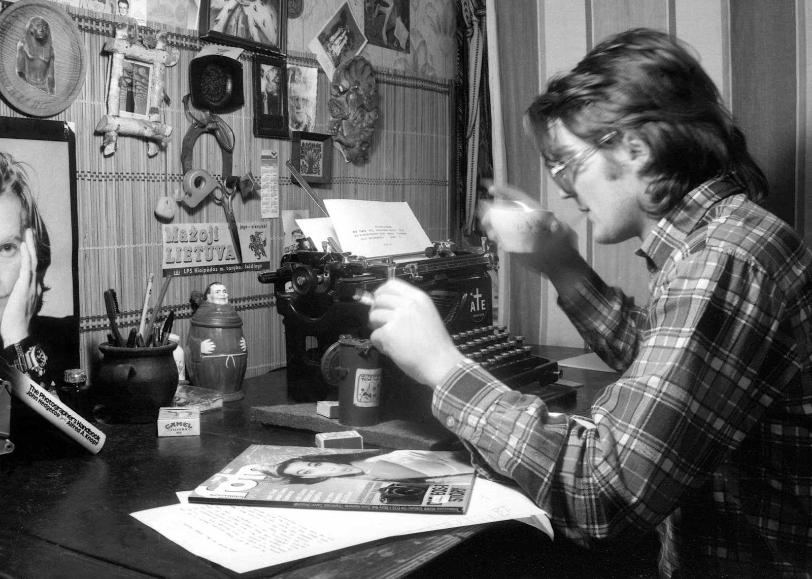 """Kviečiame į Pauliaus Lileikio parodos """"Fotoamnestija 1988-1999"""" atidarymą"""