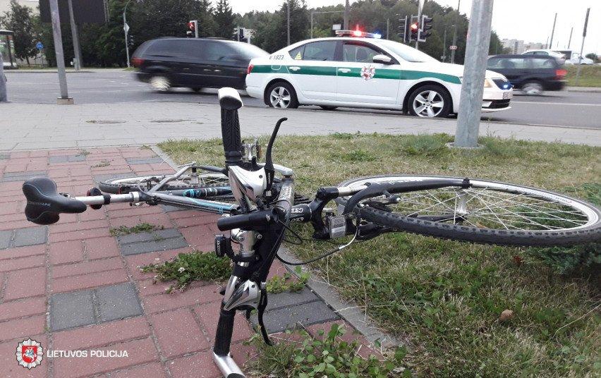 Panevėžyje neblaivus dviratininkas partrenkė moterį