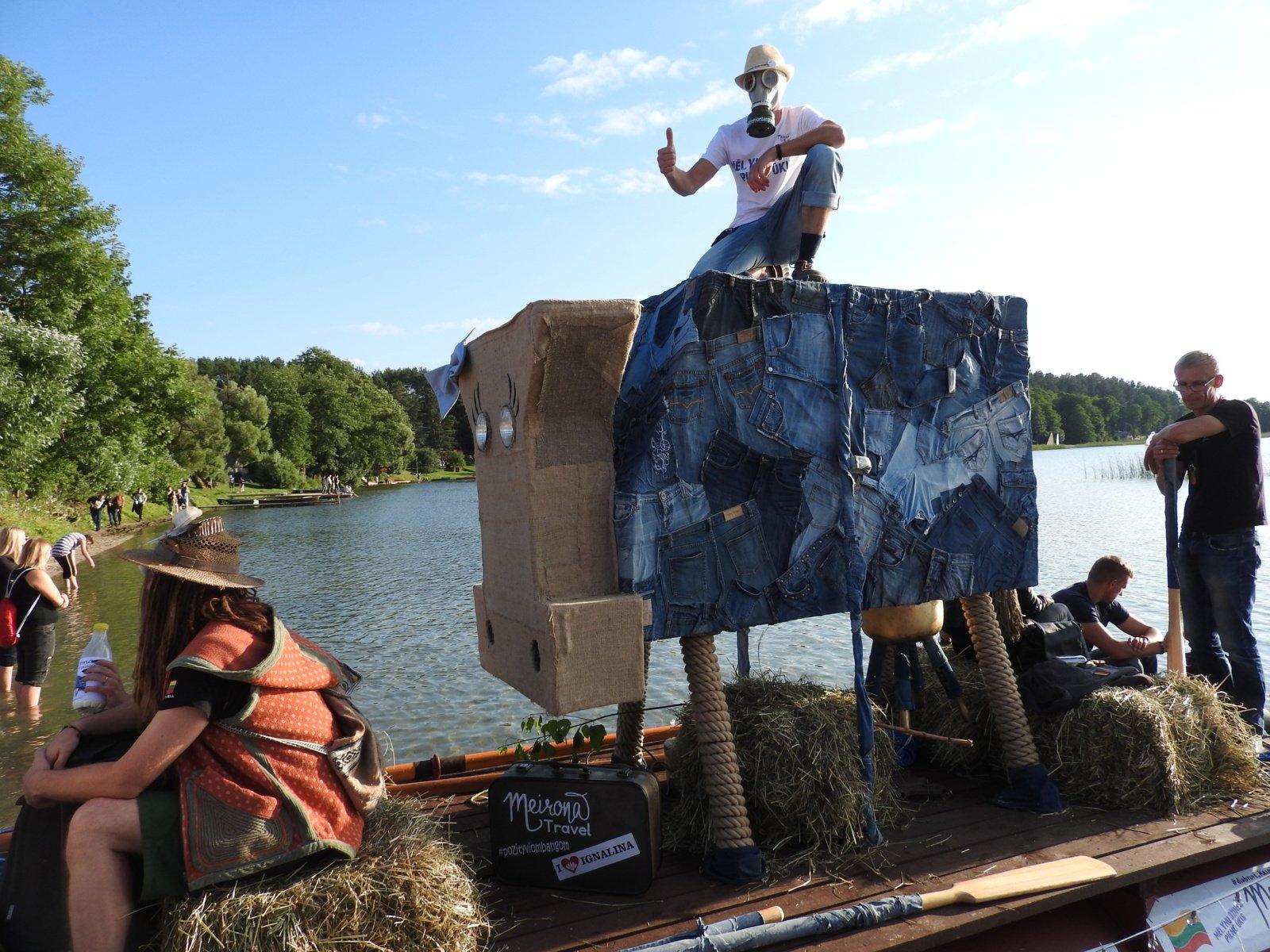 Palūšėje užfiksuotas naujas Lietuvos rekordas – didžiausia skulptūra ant vandens!