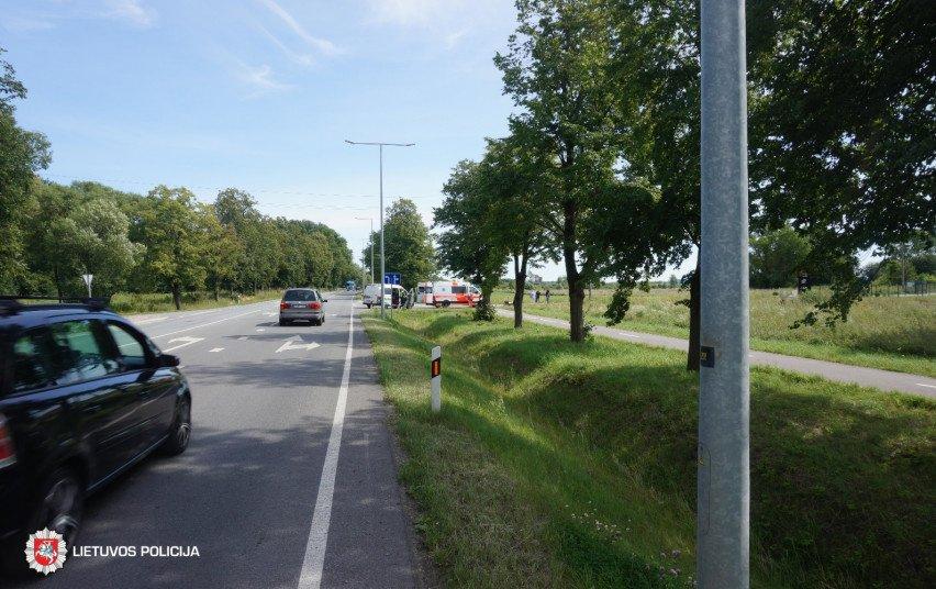 Sunkvežimis kliudė paspirtuką: sužeista moteris
