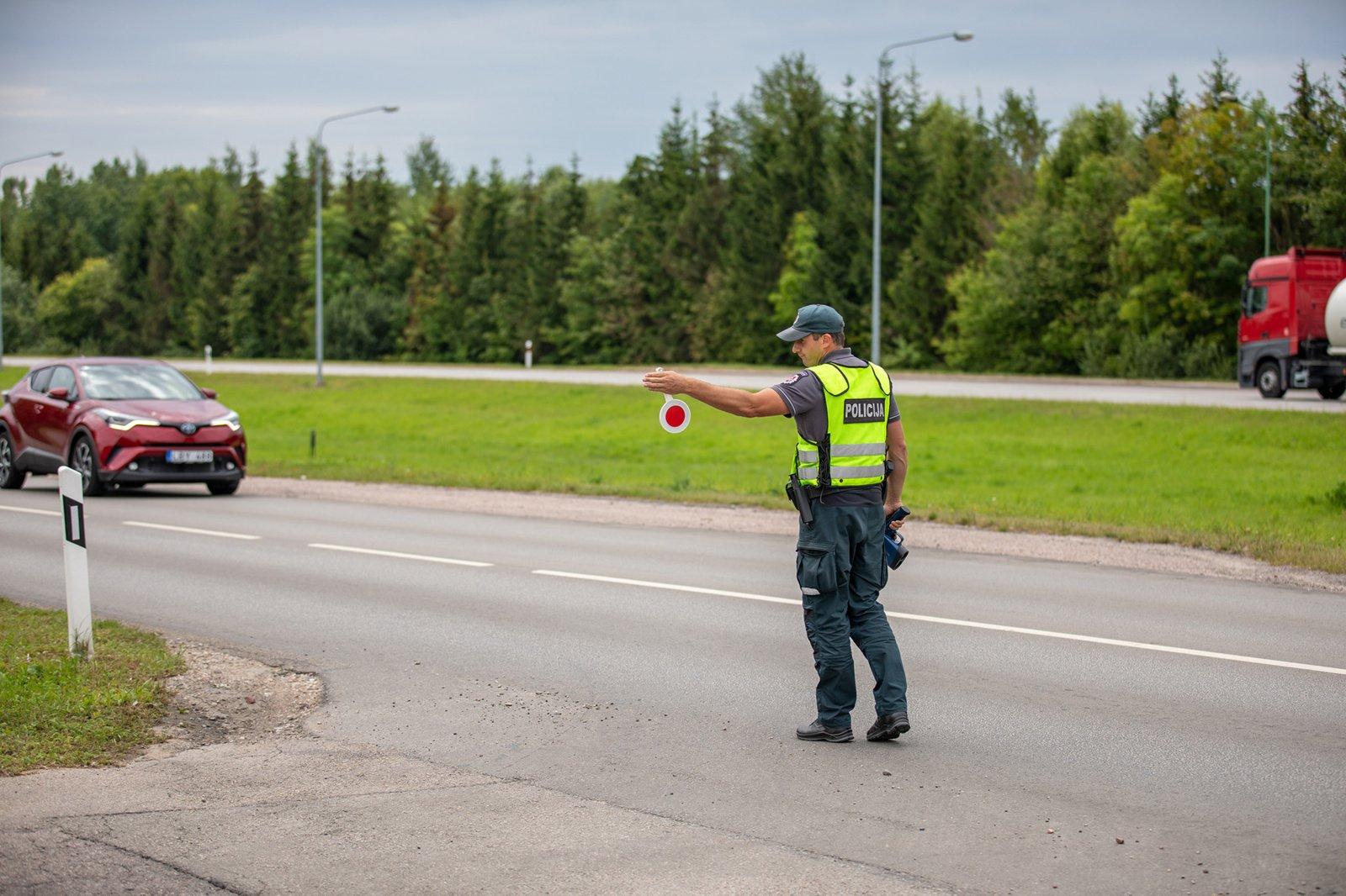 Eismo saugumui Plungės rajone – sustiprintas Klaipėdos apskrities pareigūnų dėmesys