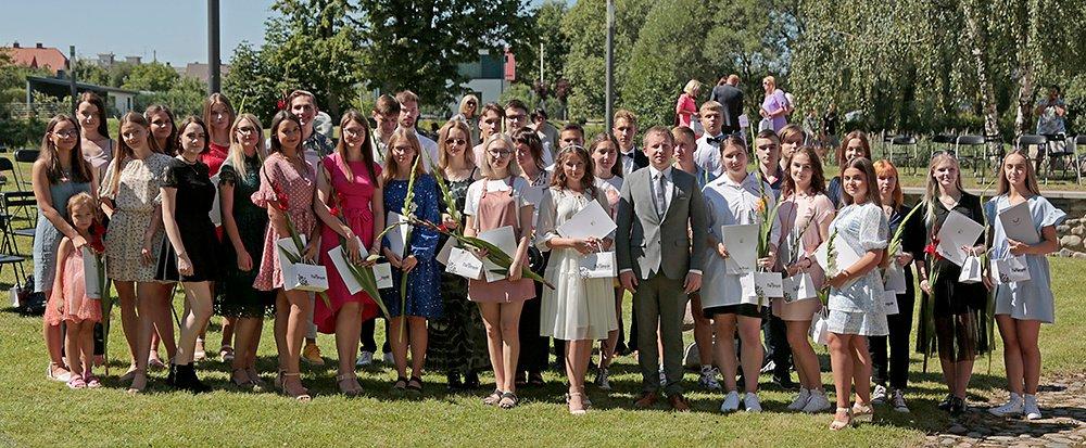 Pagerbti geriausi iš geriausių Marijampolės savivaldybės gimnazijų ir mokyklų abiturientai