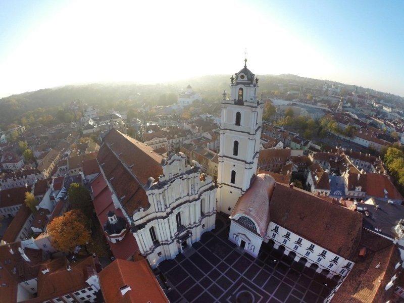 Vilniaus universitetas tvarkys Šv. Jonų bažnyčios bokštą, kitų pastatų fasadus
