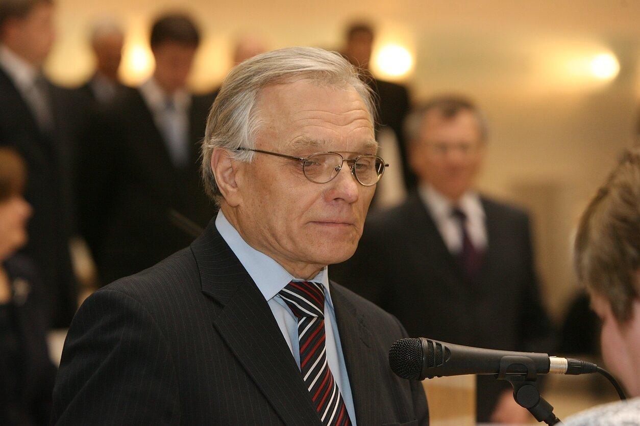 Kauno valstybinio choro vadovas prof. P. Bingelis: tikimės darbą atnaujinti rugpjūčio 18-ąją