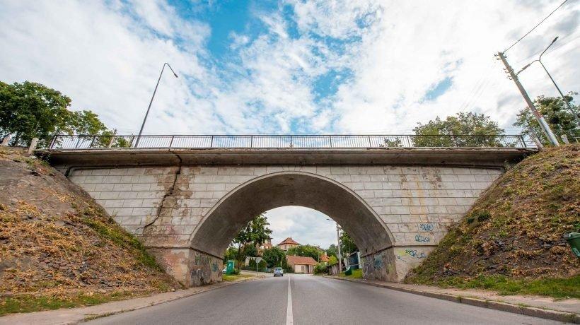 Pradedama avarinės būklės Žaliakalnio viaduko rekonstrukcija
