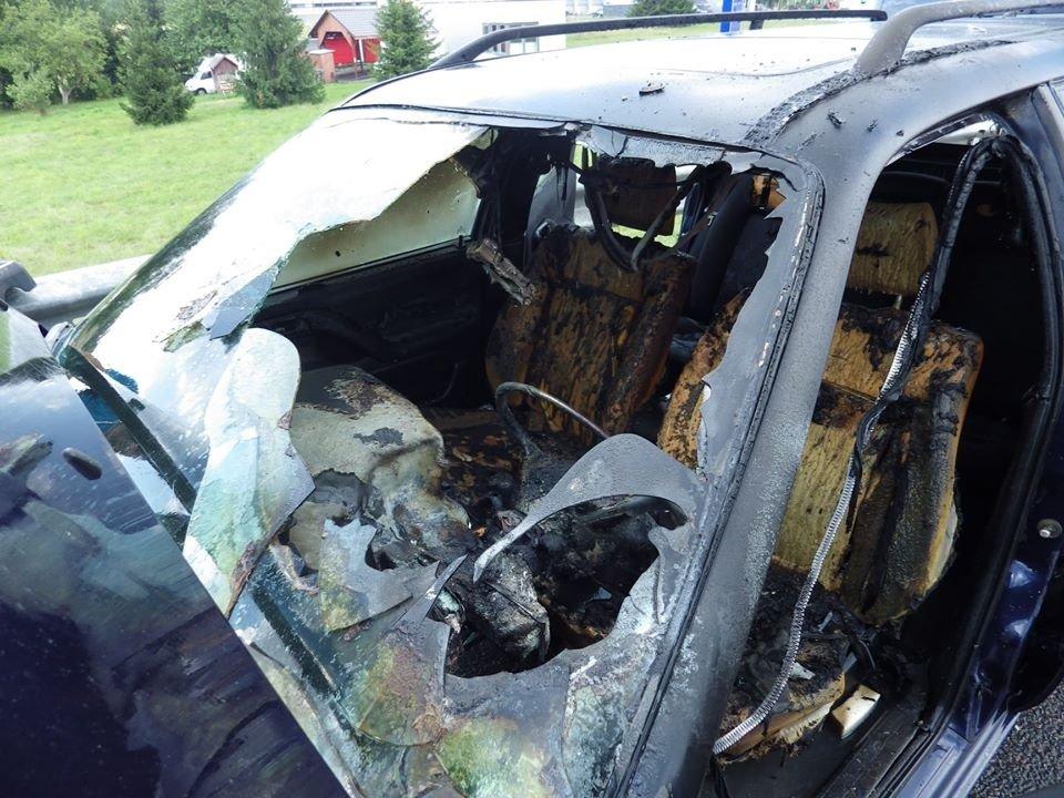 Marijampolės savivaldybėje, įtariama, padegtas garažas su automobiliu
