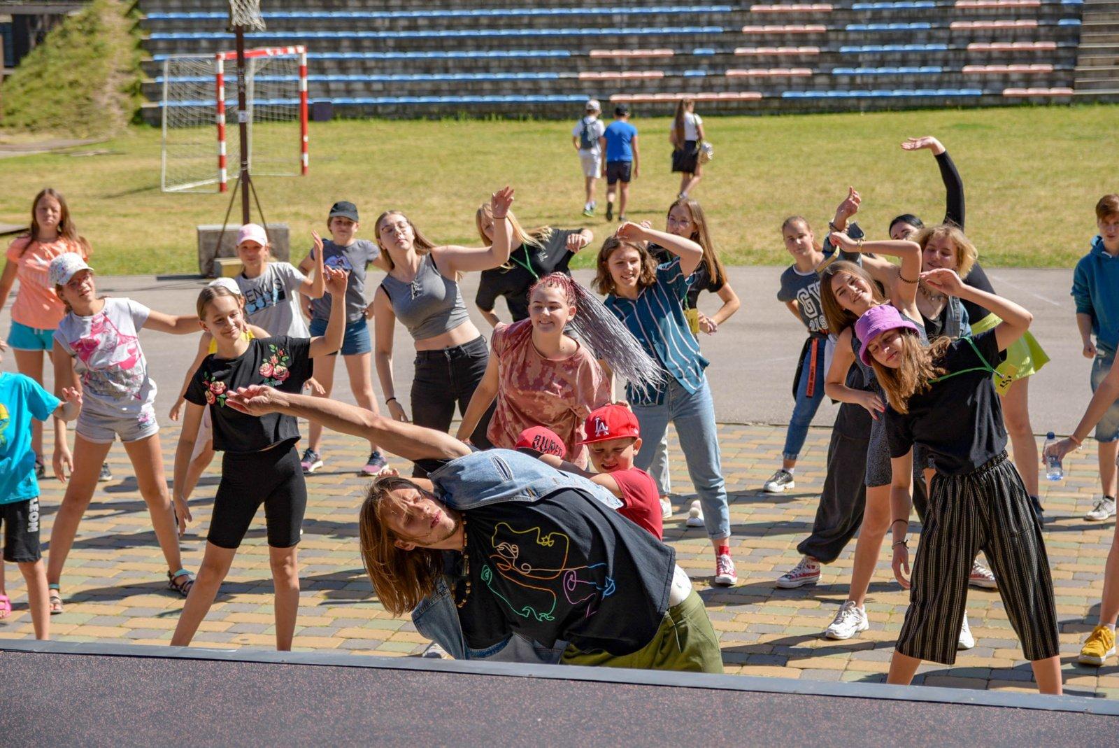 Druskininkų savivaldybės mokinių taryba kūrybiškai paminėjo Tarptautinę jaunimo dieną