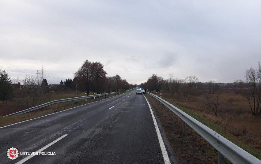 Praėjusi para keliuose: žuvo 2 žmonės, sužeista 14