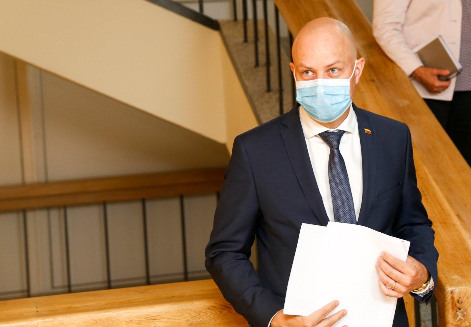 A. Veryga apie medikų nenorą dirbti su COVDI-19 pacientais: nesuprantu, ką šie žmonės veikia medicinoje