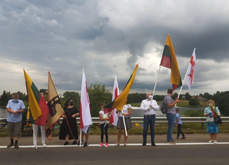Laisvės kelyje plazdėjo ir Pakruojo vėliava