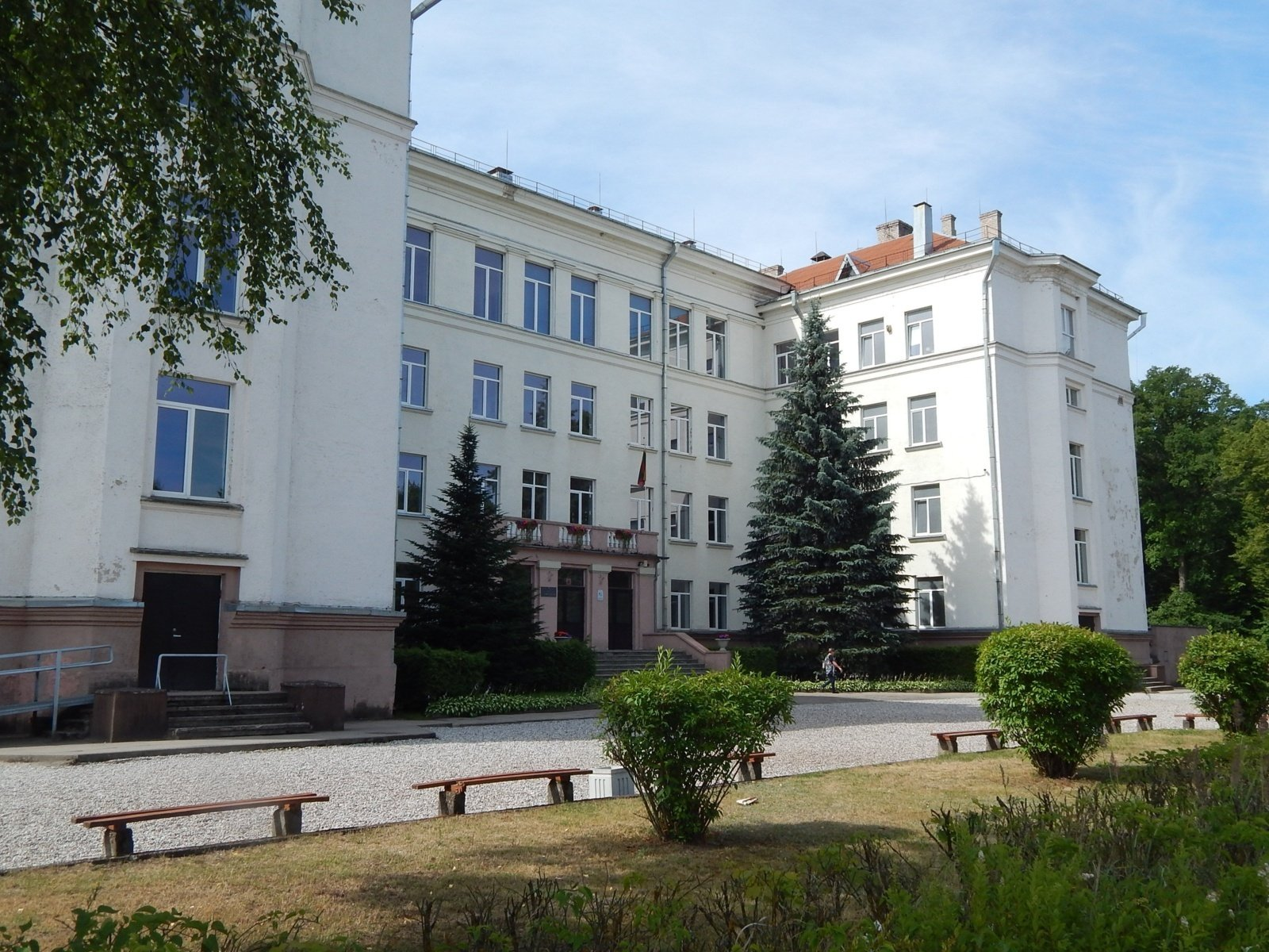 Dėl remonto darbų Jurbarko Antano Giedraičio-Giedriaus gimnazijoje darbas bus organizuojamas kitose švietimo įstaigose