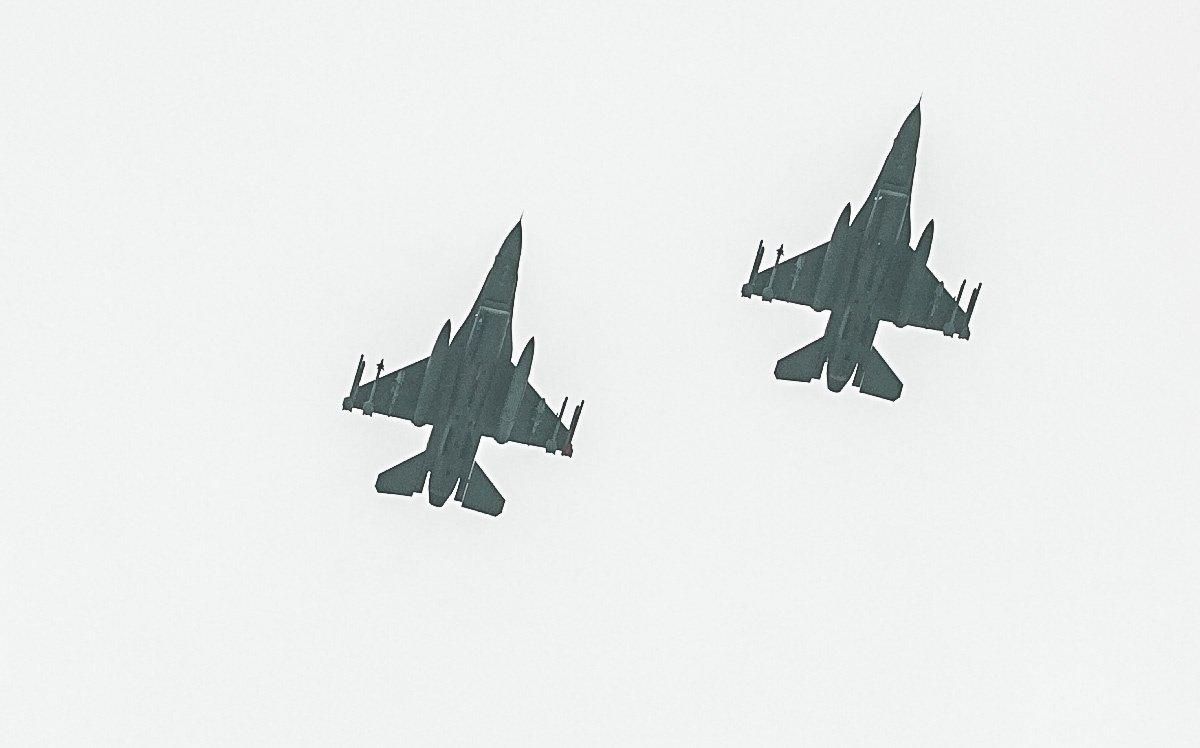 Rusijos naikintuvai per mokymus paleido raketų į taikinius virš Baltijos jūros