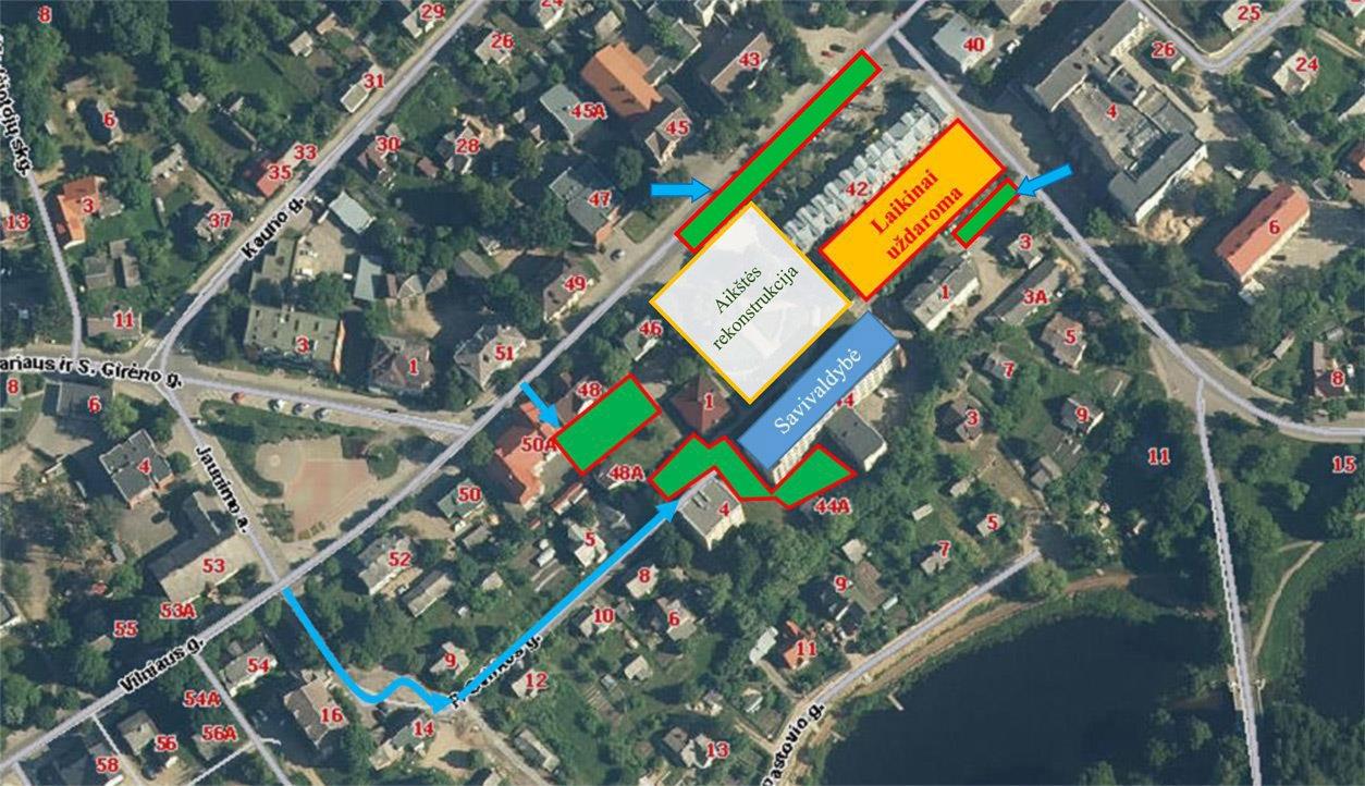 Laikinai uždaroma automobilių aikštelė prie savivaldybės