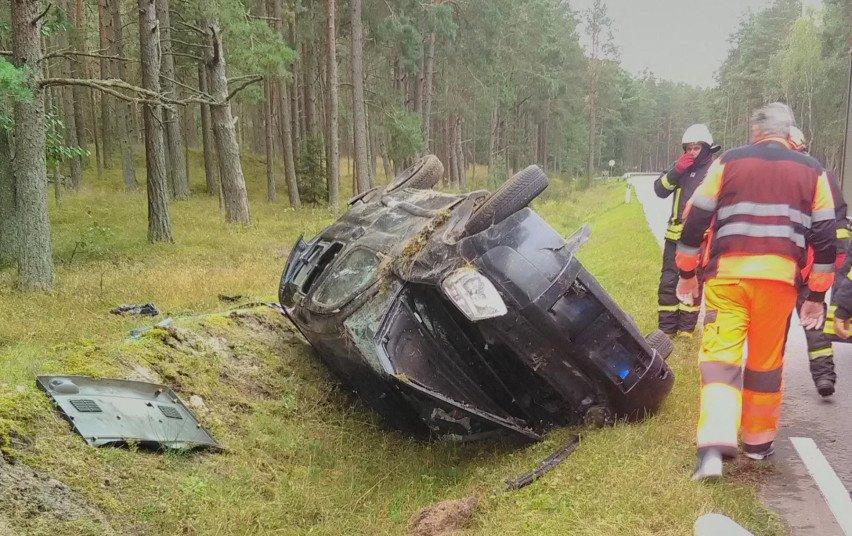 Neringoje vertėsi automobilis, nukentėjo du žmonės
