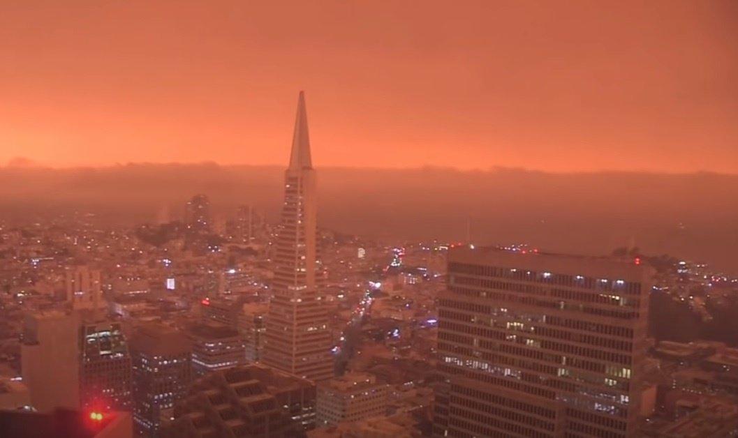 Kalifornija grumiasi su didžiausiu per istoriją gaisru (vaizdo įrašas)