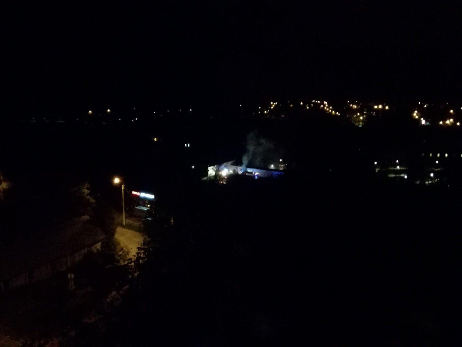 Šiauliuose degė garažas (vaizdo įrašas)