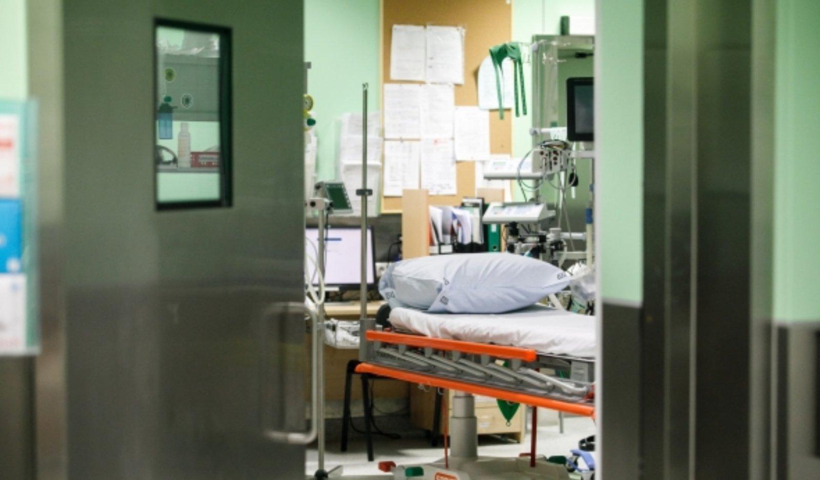Ligoninėse dėl COVID-19 gydoma 415 žmonių, 35 iš jų – reanimacijoje