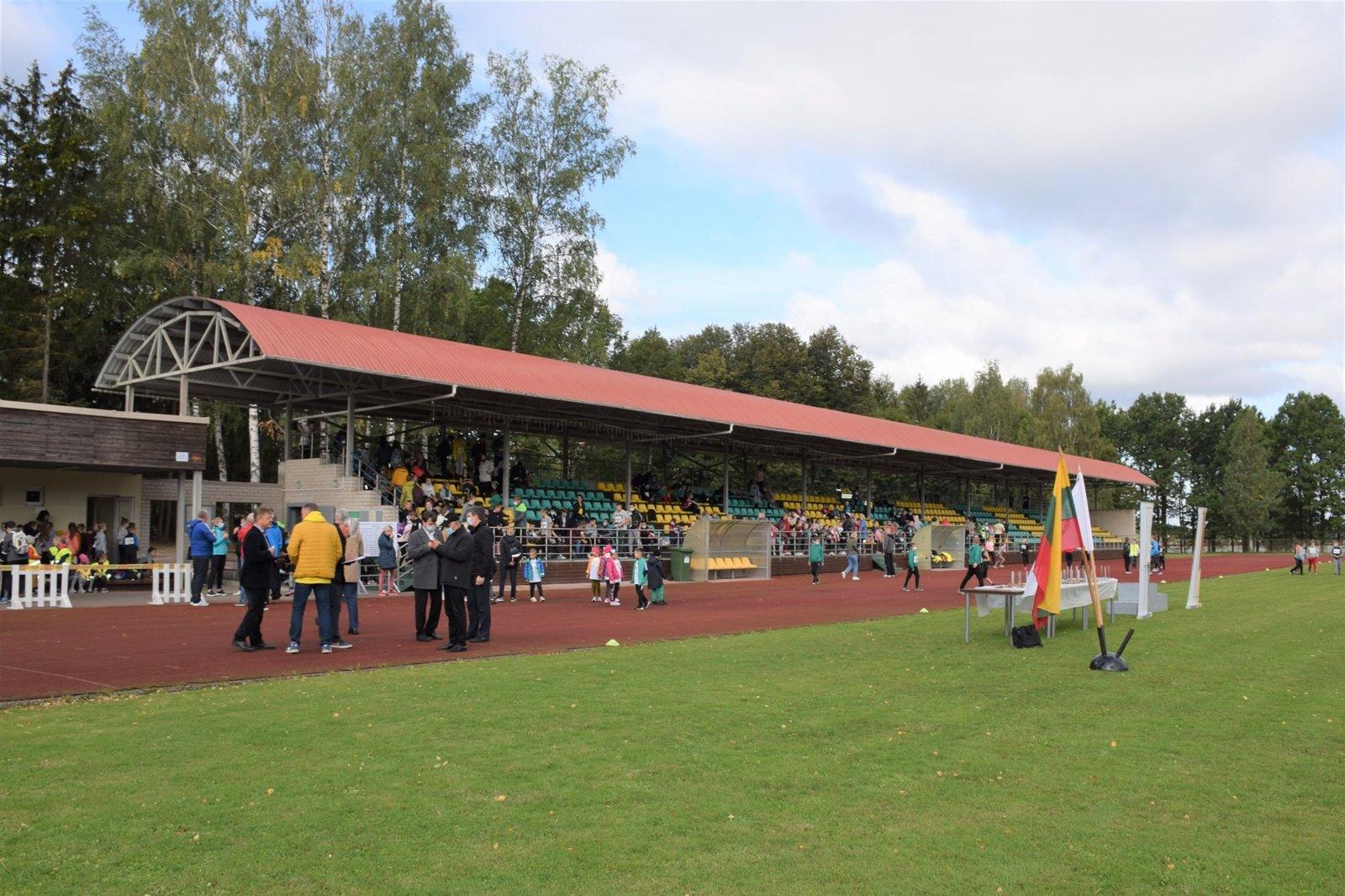 Biržuose įvyko bėgimo varžybos Povilo Karoblio ir Biržų rajono mero taurei laimėti