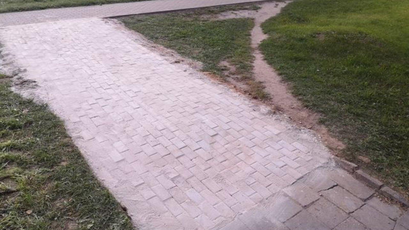 Ukmergėje po savaitgalio atsirado naujai įrengtas pėsčiųjų takas