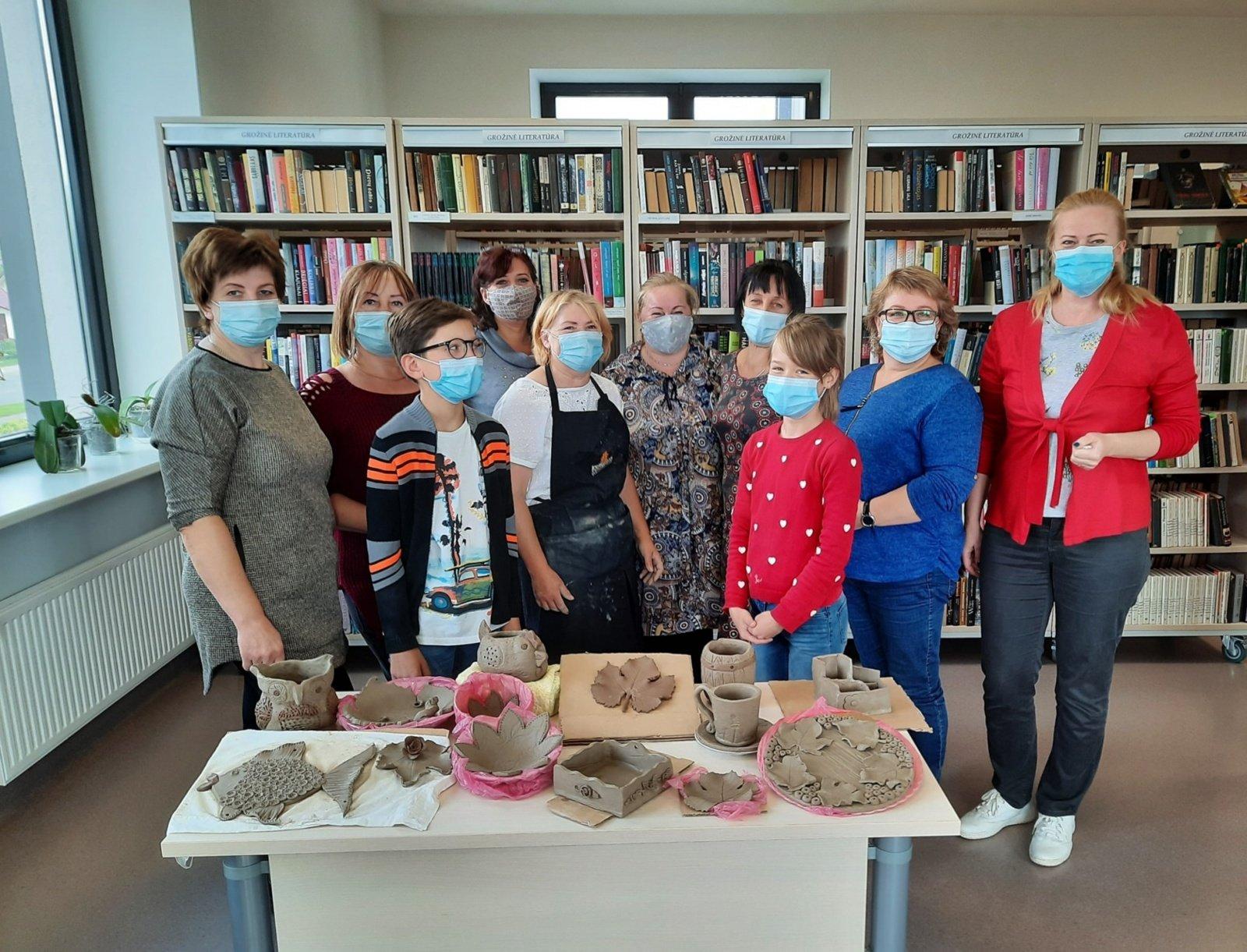Keramikos gamybos ir grožio paslaptys Pabradės miesto bibliotekoje