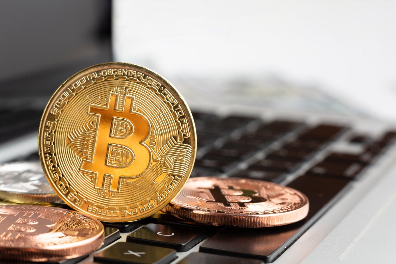 Į kriptovaliutas investuoti bandžiusi moteris prarado milžinišką pinigų sumą