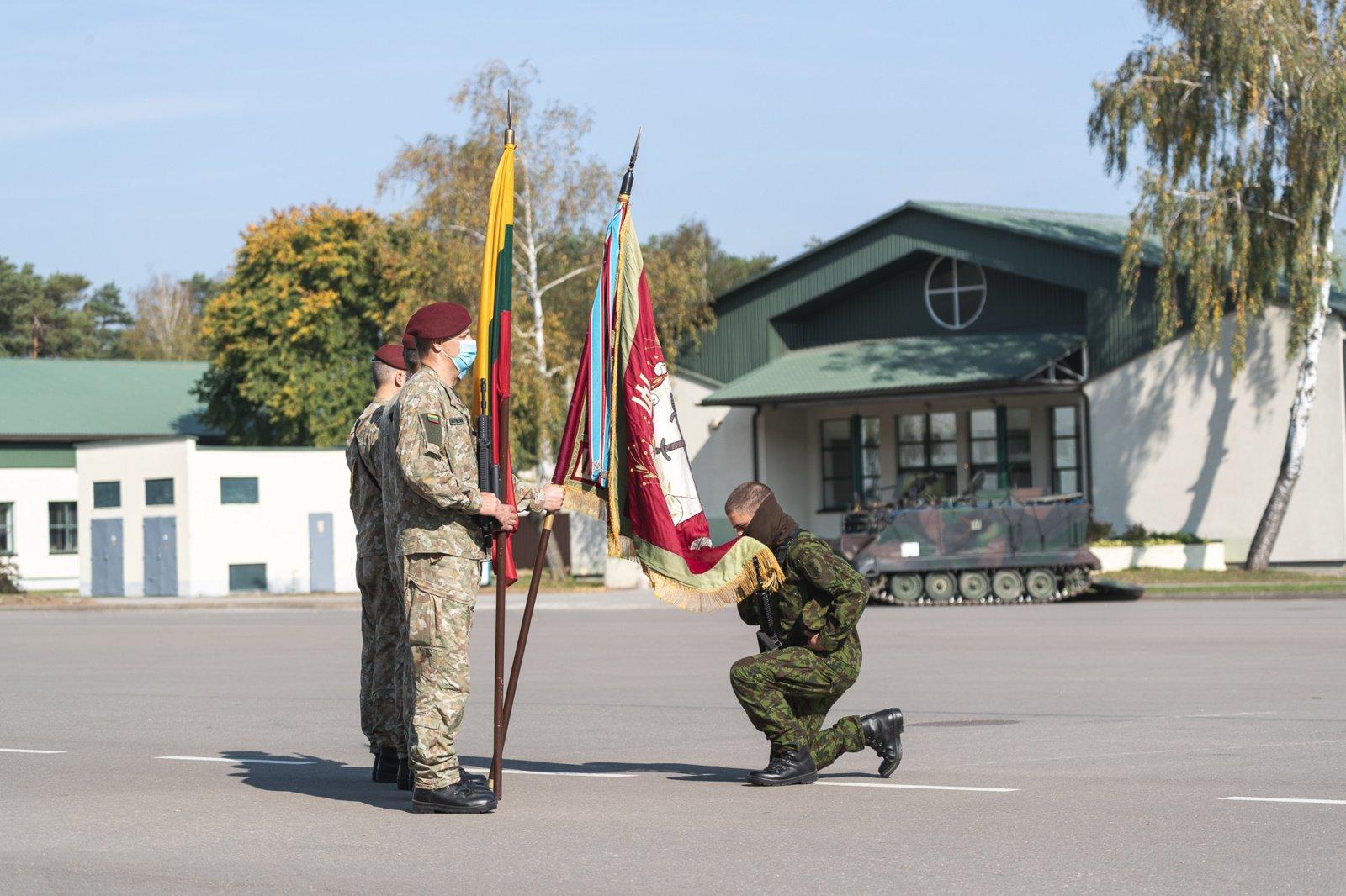 Lietuvai iškilmingai prisiekė 60 karių savanorių