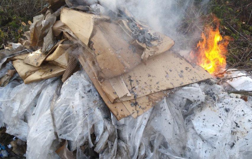 Pranešimų apie deginamas atliekas daugėja, bet dauguma nepasitvirtina
