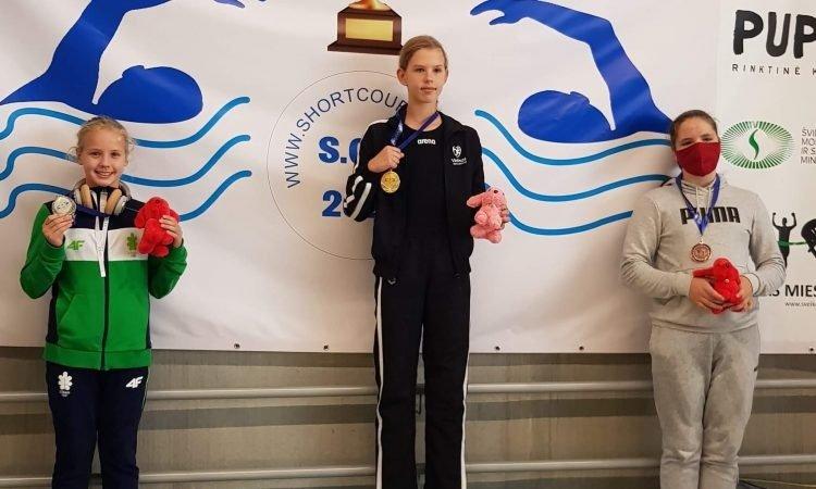 """Plaukimo turnyre """"Vilnius Cup 2020"""" – 9 varėniškių medaliai"""