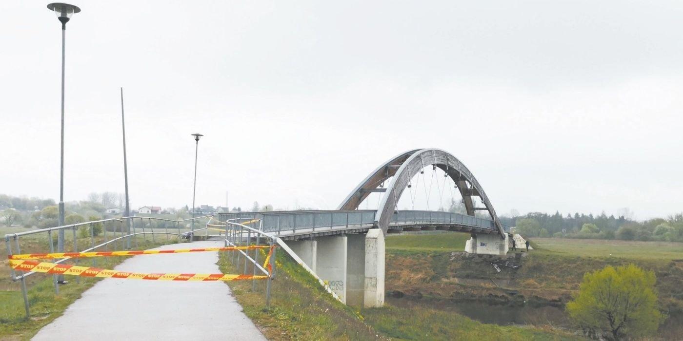 """Geros žinios: spalio pabaigoje kėdainiečiai vėl vaikščios per """"Vaivorykštės"""" tiltą"""