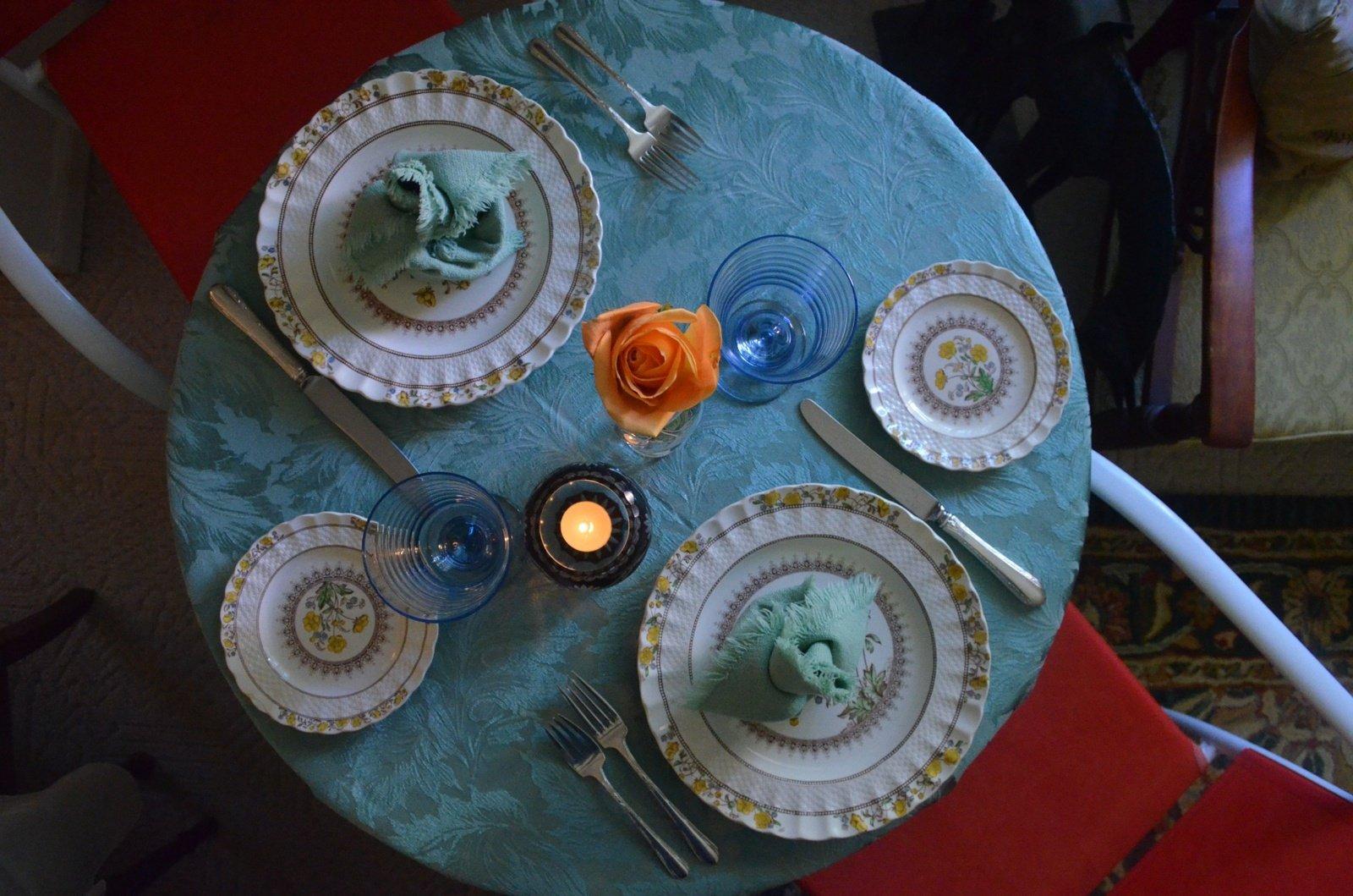 Kaip papuošti valgomojo stalą?