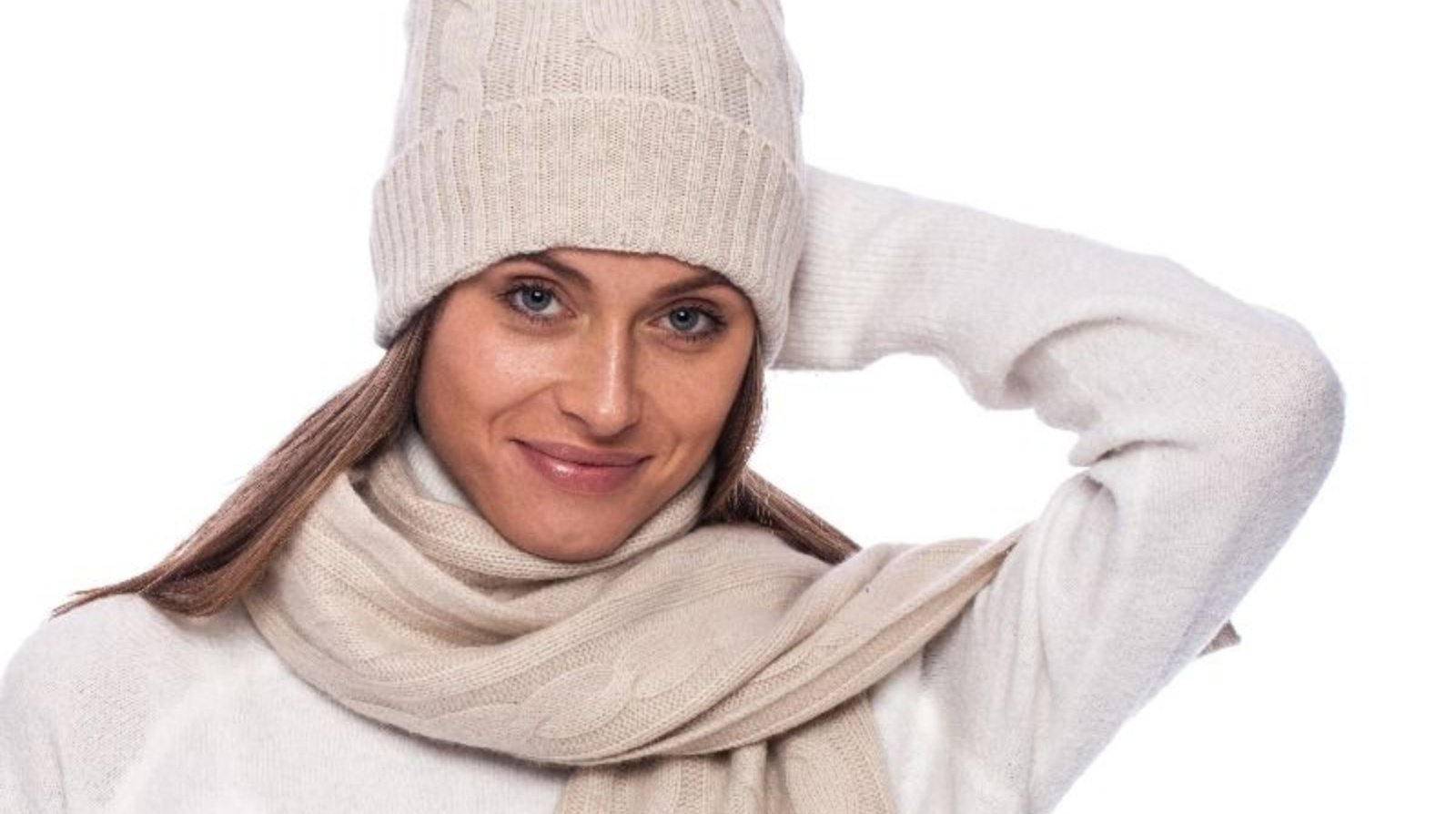 Žieminės kepurės moterims – stilingas akcentas tiek subtiliam, tiek ekstravagantiškam įvaizdžiui