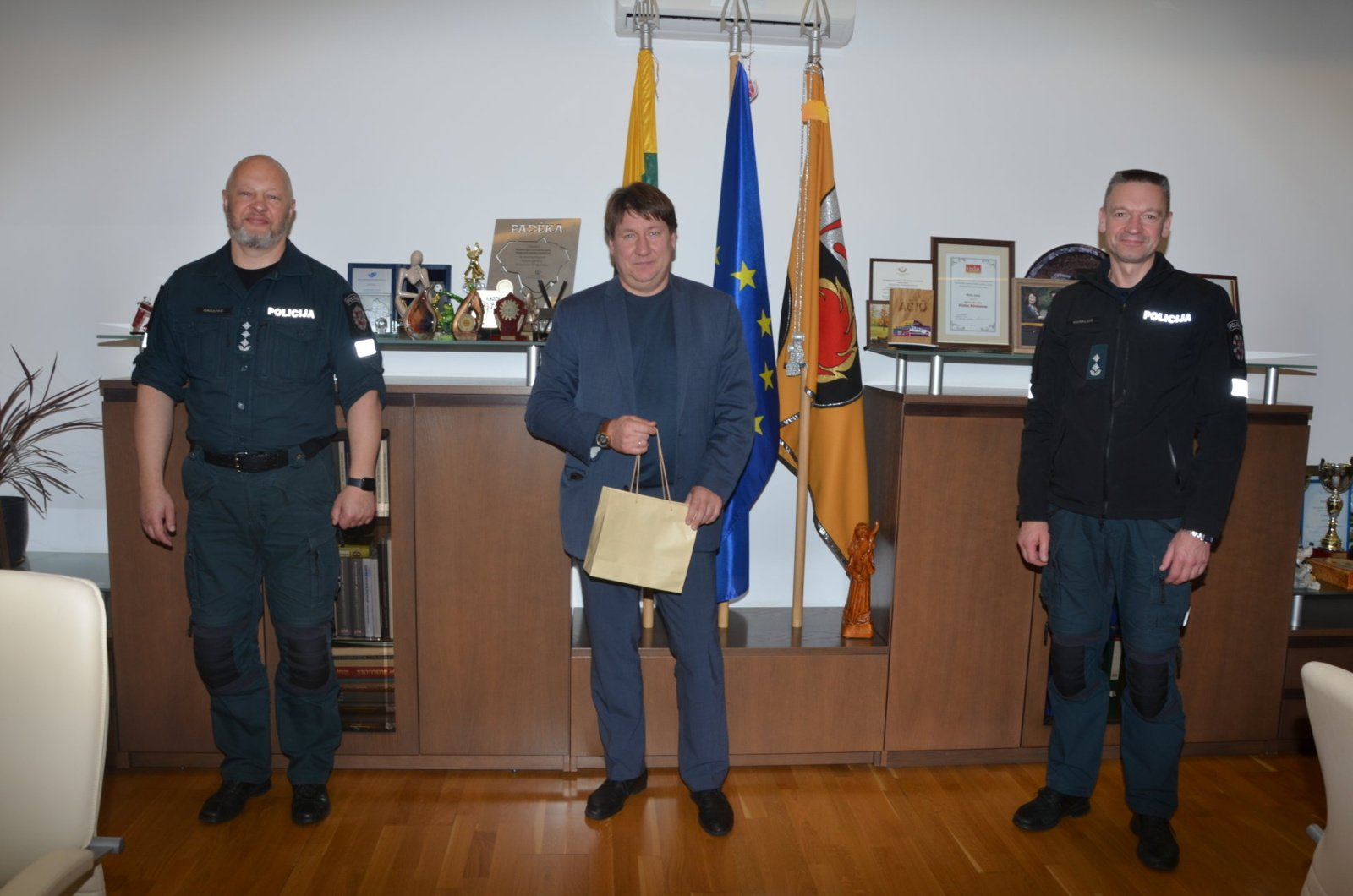Merui pristatytas naujos policijos apygardos vadovas