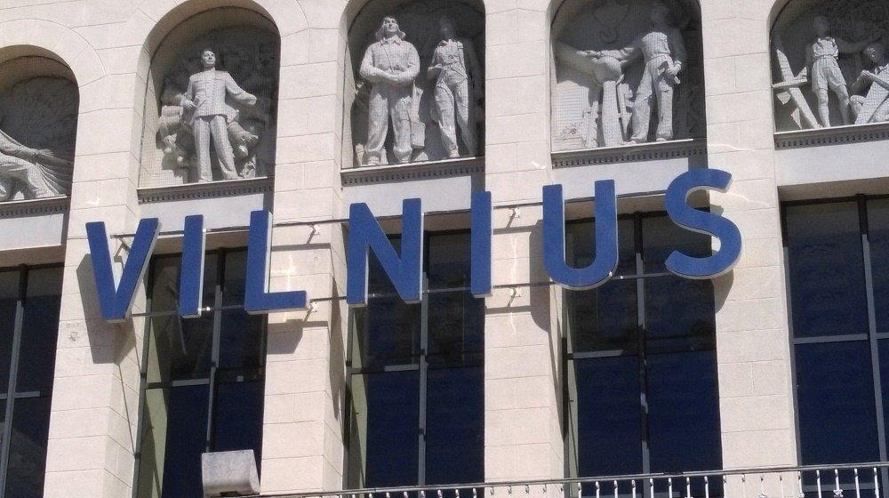 Vilniaus oro uoste sulaikytas teisėsaugos ieškotas vyras