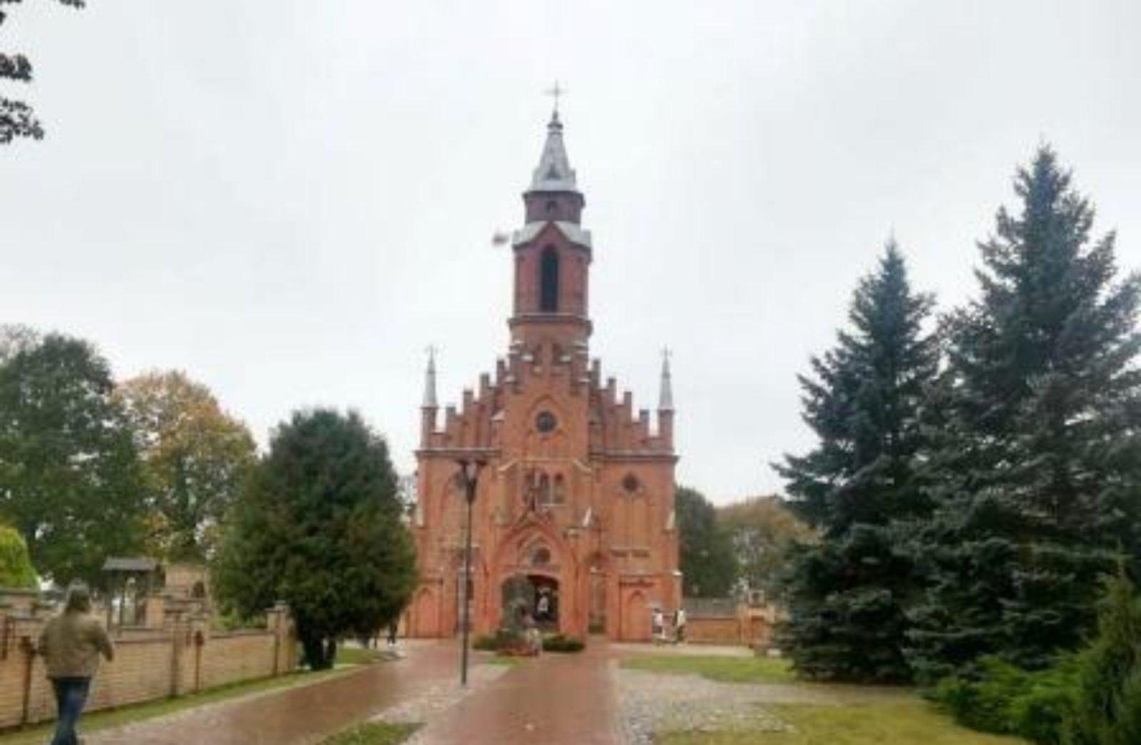 Kernavės bažnyčios istorijos vingiais su profesoriumi Aleksu Luchtanu
