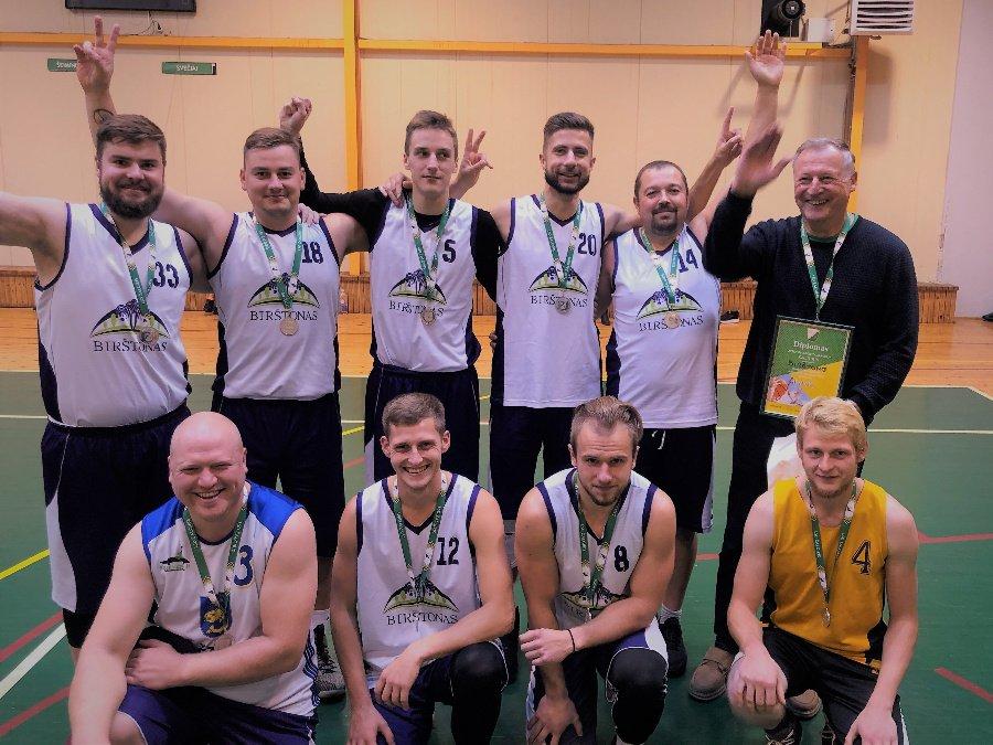 """Birštono vyrų komanda iškovojo 2-ą vietą """"Žalgirio"""" vasaros žaidynėse"""