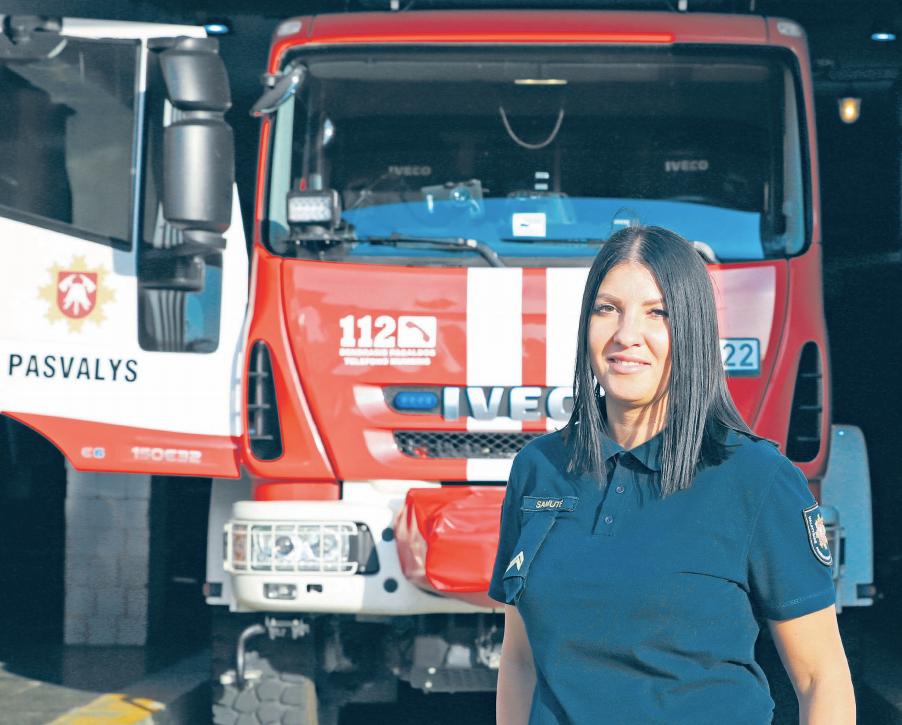 Ugniagese-gelbėtoja dirbanti Inga:vien dėl to, kad esu moteris, mano suteikiama pagalba nėra menkesnė