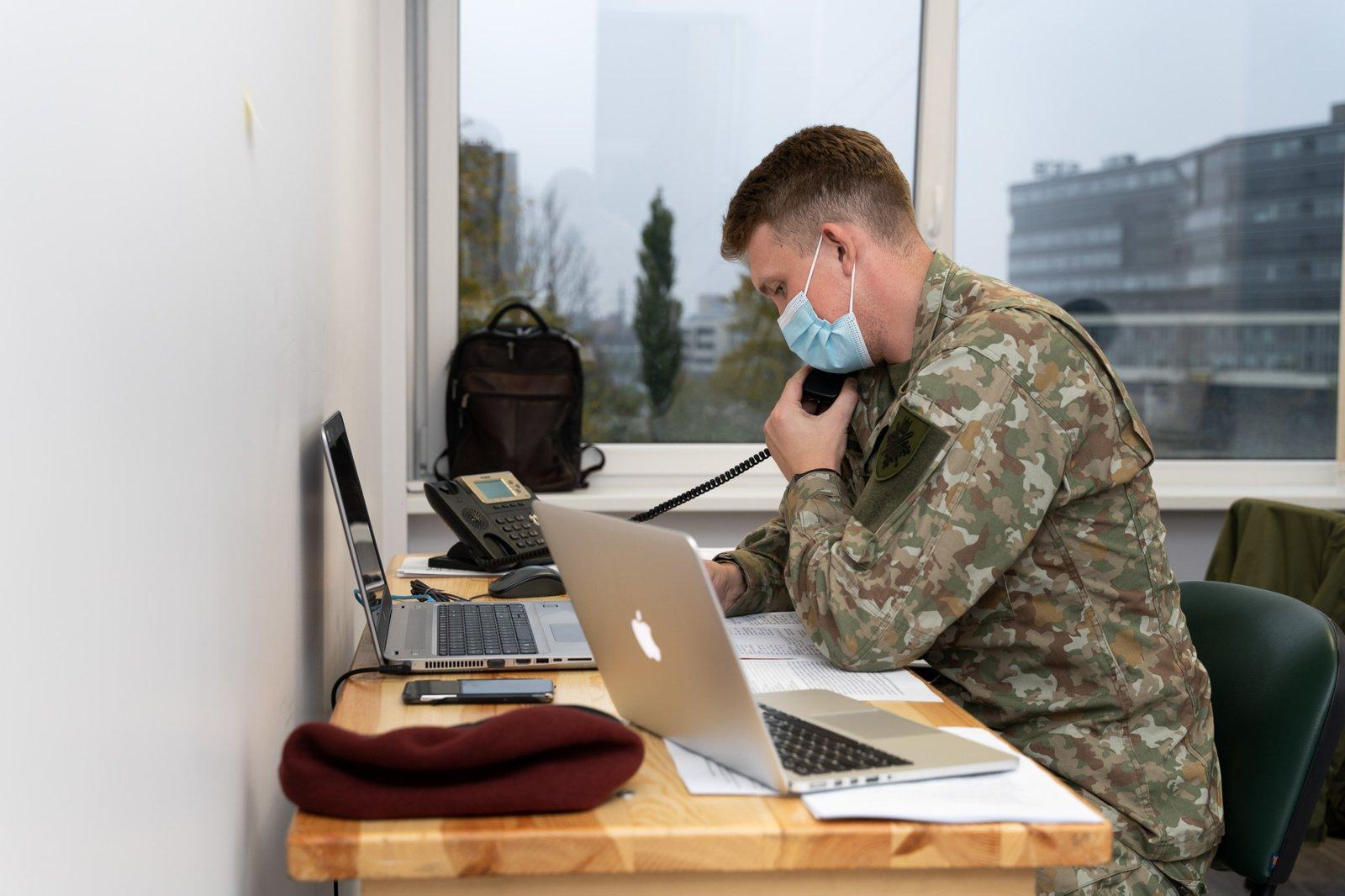 33 kariai pradėjo teikti pagalbą Nacionalinio visuomenės sveikatos centro epidemiologams